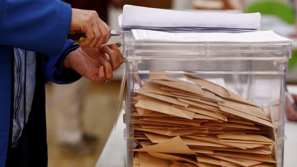 urna en unas elecciones